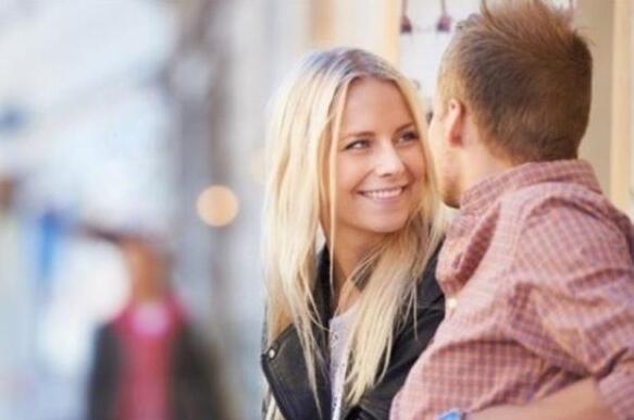 如何跟女生聊天的套路技巧,把妹聊天5大基本套路